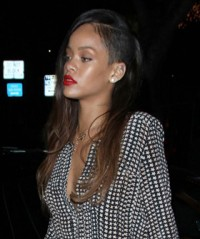 rihanna with long light brown straight hair essential
